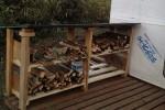 完成した薪小屋